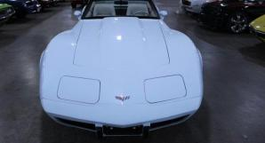 Photo de CHEVROLET/CORVETTE/1979-tout-inclus-1